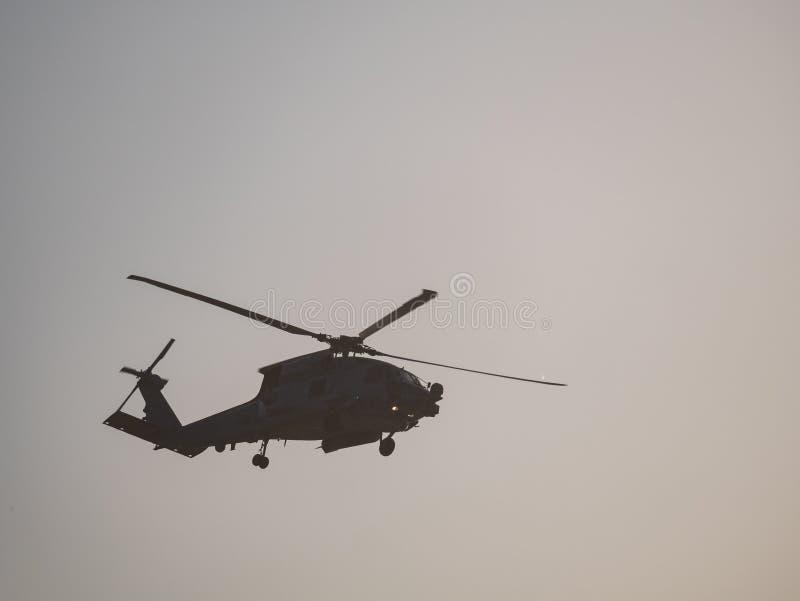 Telephoto plotseling van een militaire helikopter van de V.S. royalty-vrije stock foto