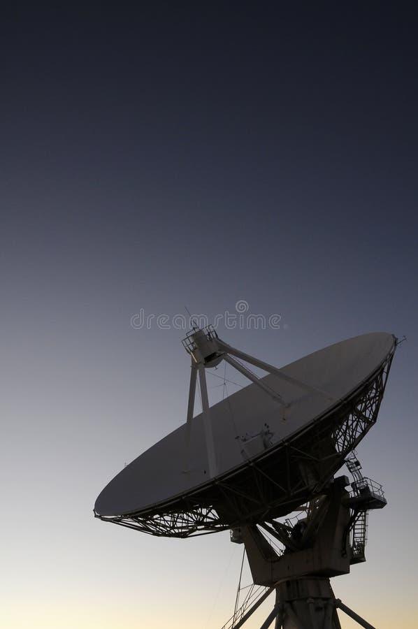 Download Telescópio de rádio de VLA imagem de stock. Imagem de antena - 26524689