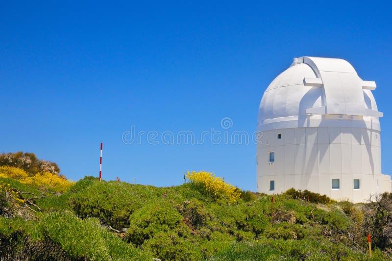 Telescoop van het Astronomische Waarnemingscentrum van Teide in Tenerife, Kanarie stock foto's