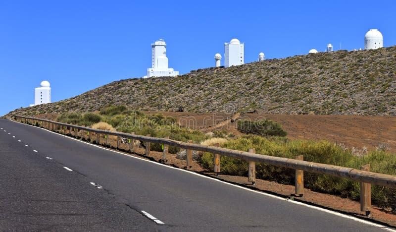 Telescopen van het Astronomische Waarnemingscentrum Teide stock afbeeldingen