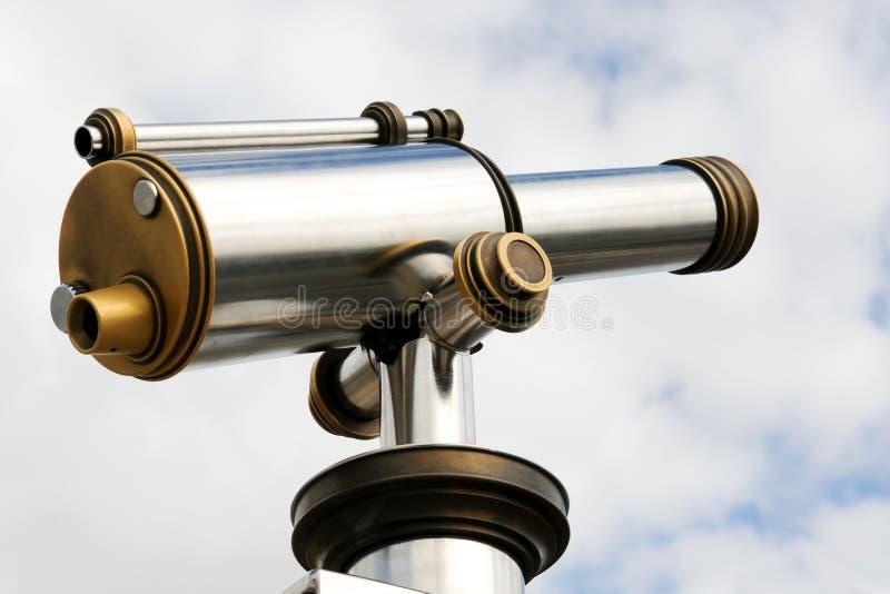 Telescopio de bronce y de aluminio fotografía de archivo libre de regalías