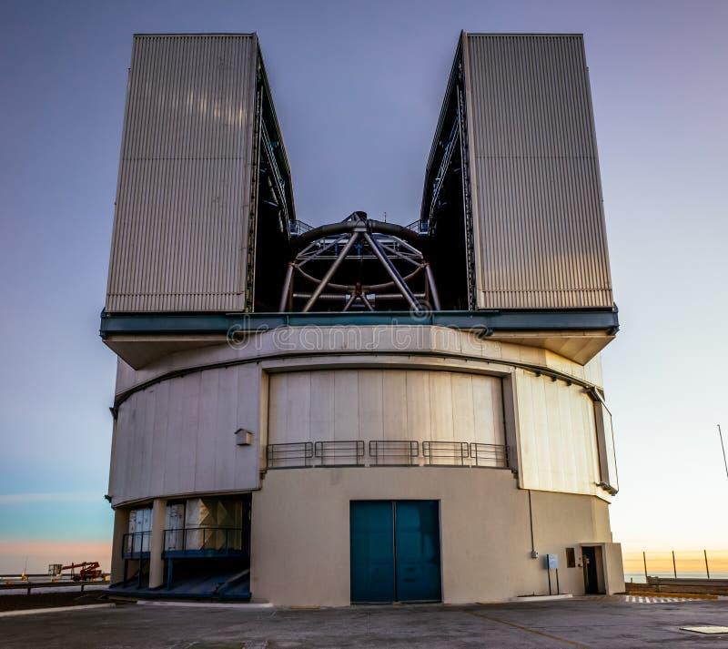 Telescopio dell'osservatorio di Paranal fotografia stock