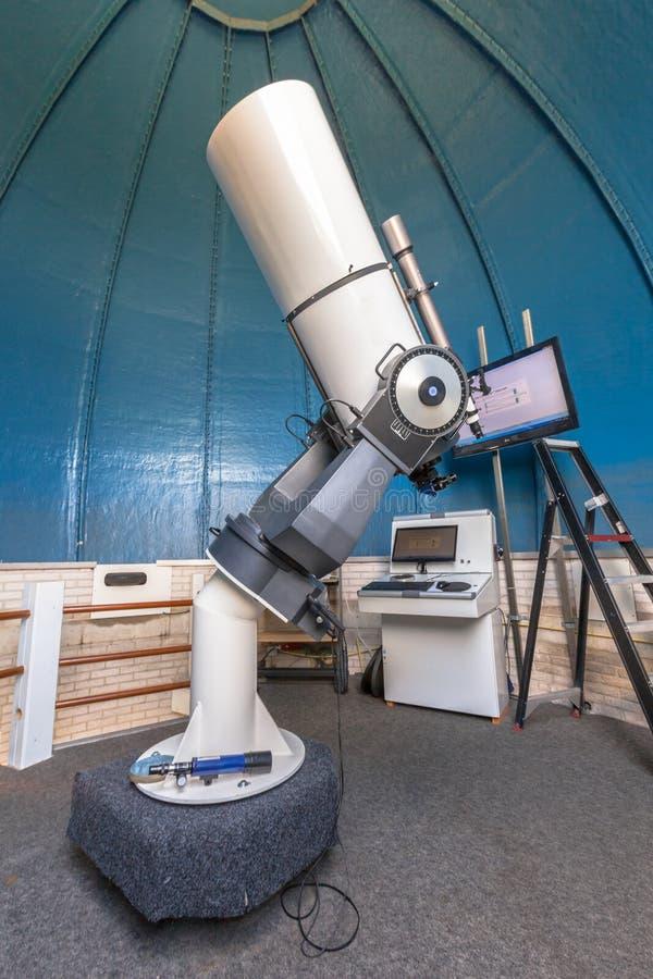 Telescopio pubblico dell'osservatorio fotografia stock libera da diritti
