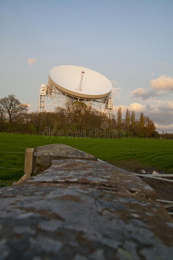 Telescopio radiofonico della banca di Jodrell fotografia stock libera da diritti