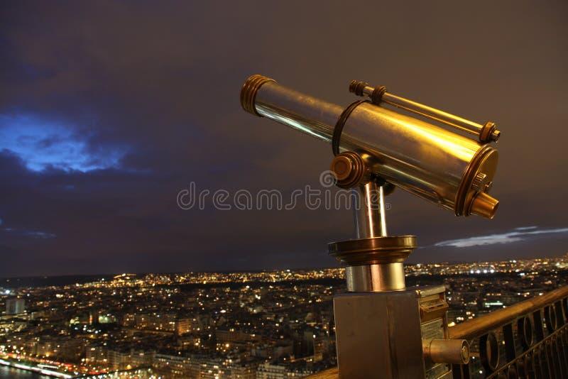 Telescopio sulla Torre Eiffel immagine stock libera da diritti