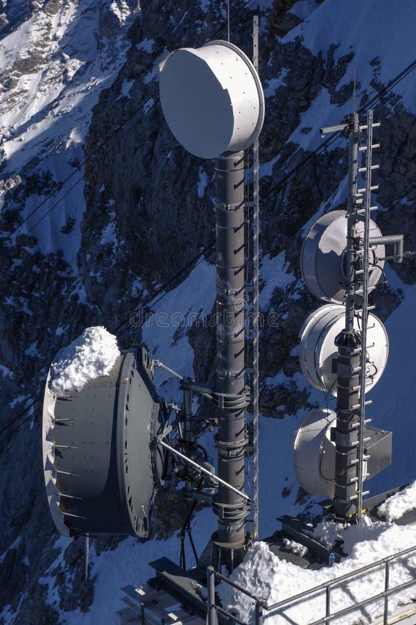teletechnicznemu anten błękitnemu z nieba fotografia royalty free