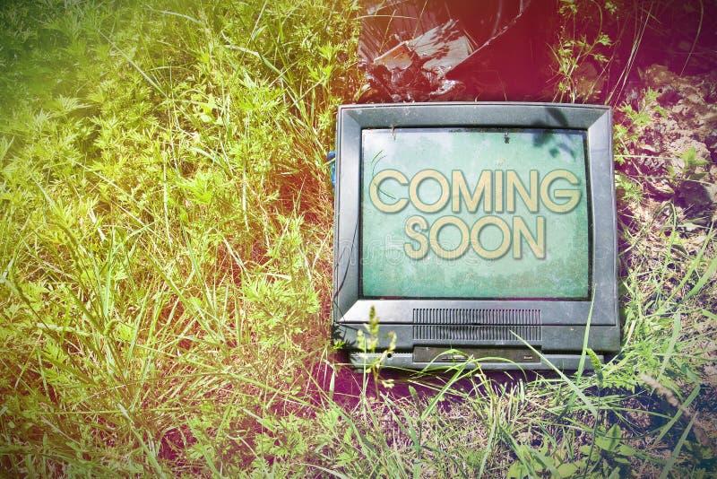 Televisão velha do CRT com - conceito com espaço da cópia imagens de stock