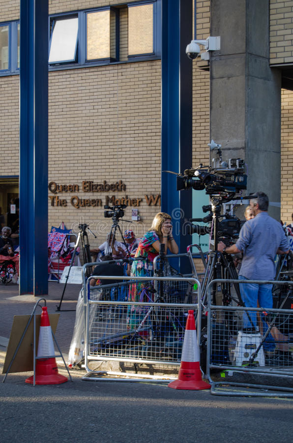 Download Television Reporter At Royal Hospital Editorial Image - Image: 32411055
