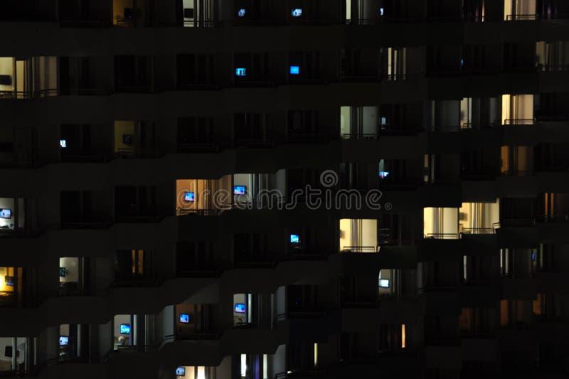 Televisione alla notte immagine stock