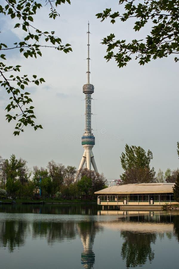 Telewizi wierza w Tashkent zdjęcia royalty free