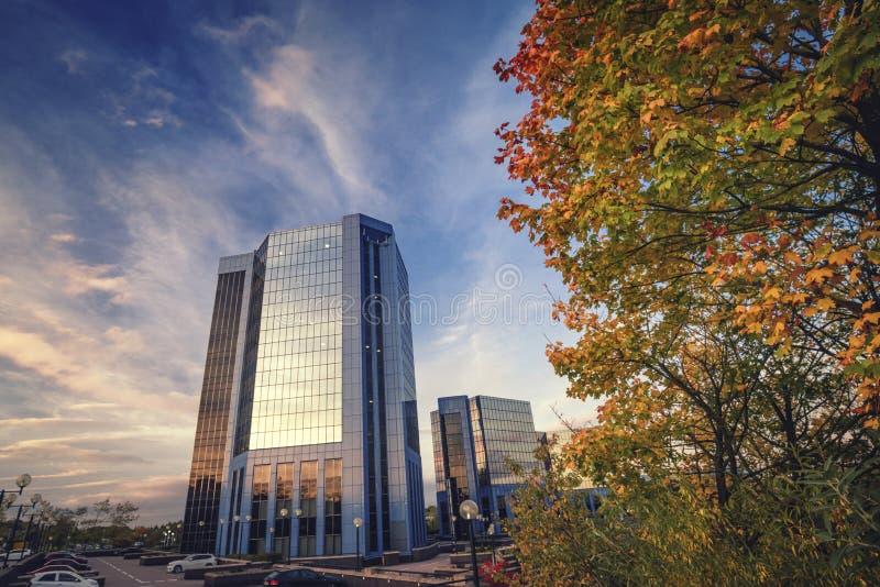 Telford广场办公室在秋天 库存照片