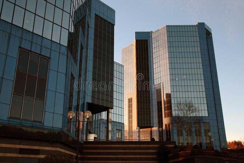 Telford placu budynki biurowi przy Telford Grodzkim Centre w Shropshire, Anglia fotografia royalty free