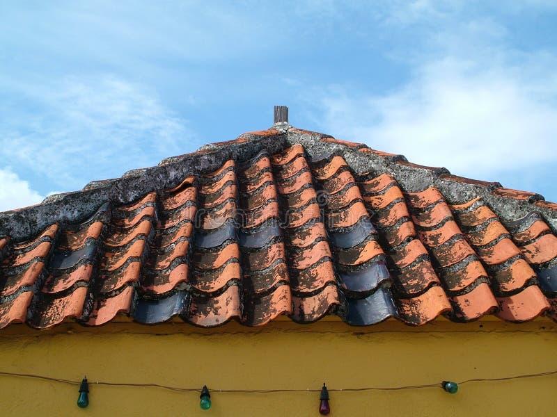 Telhado da telha da argila imagem de stock