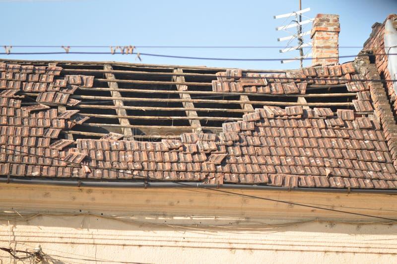 Telhado danificado fotos de stock royalty free