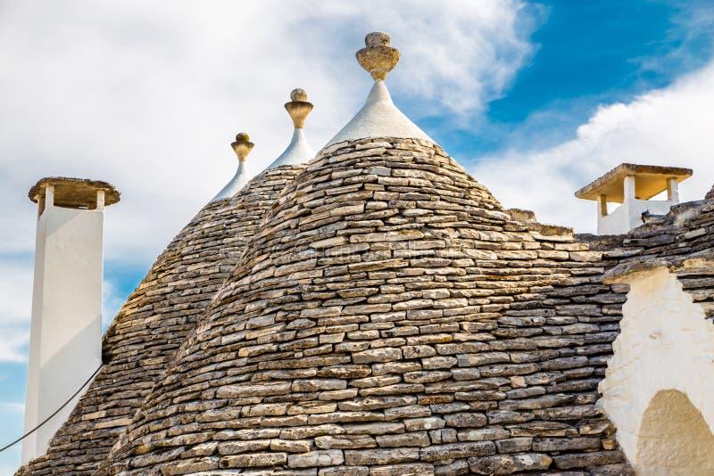 Telhado de casas de Trulli - Alberobello, Apulia, Itália imagem de stock