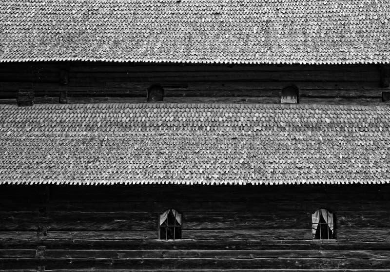 Telhado de madeira da igreja imagens de stock