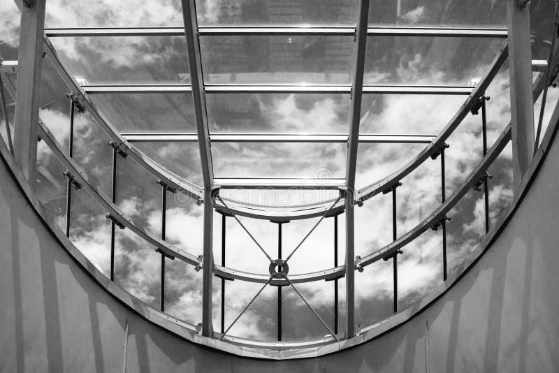 Telhado de vidro moderno imagem de stock