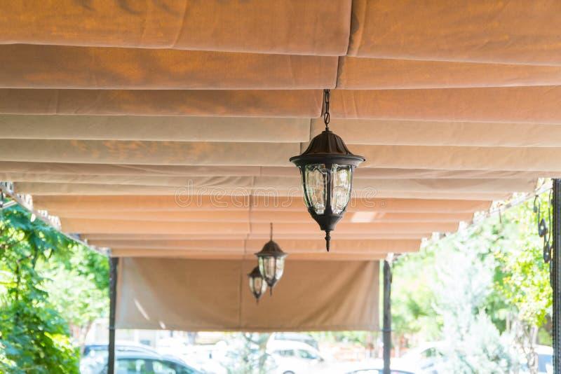Telhado do café do verão imagens de stock royalty free