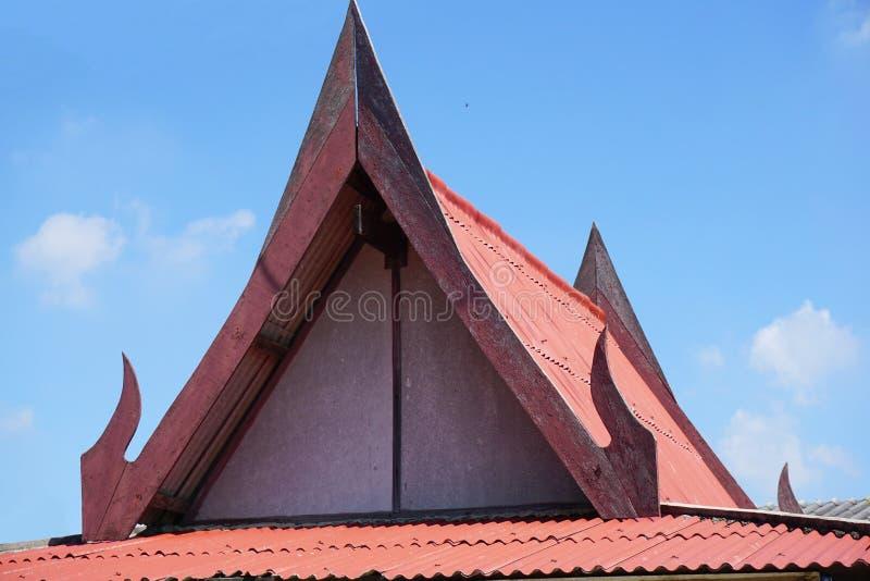 Telhado do pavilhão no país Tailândia imagem de stock