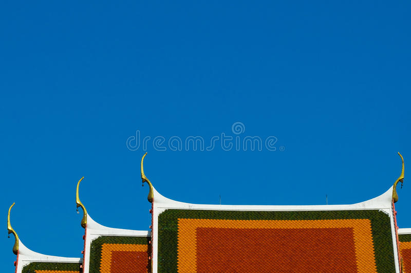 Telhado do templo de Krachao do golpe fotografia de stock