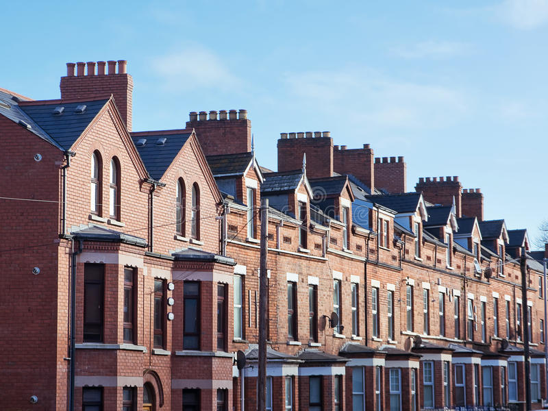 Telhado e chaminés em Belfast fotografia de stock royalty free