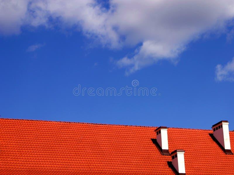 Telhado e o céu imagens de stock