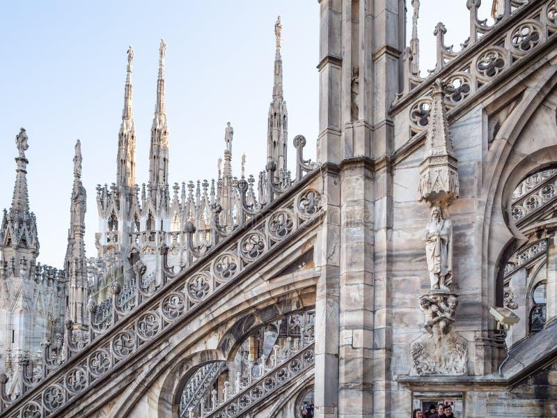 Telhado gótico de Milan Cathedral fotos de stock royalty free