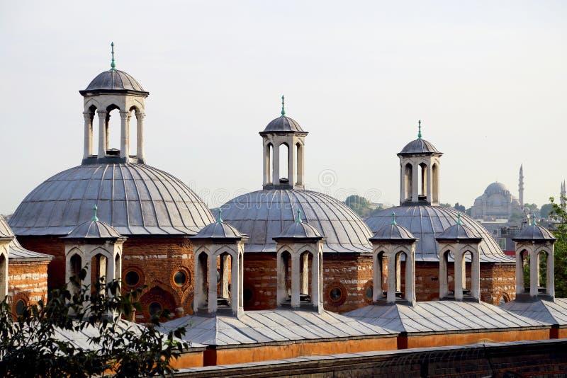 Telhado histórico da construção em Tophane, Karakoy, Istambul, Turquia fotografia de stock