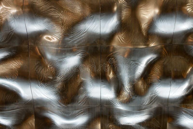 Telhado líquido da prata do teto da textura do fundo do metal fotos de stock