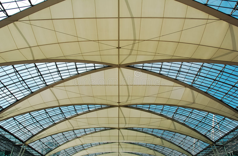 Telhado munich do aeroporto imagens de stock