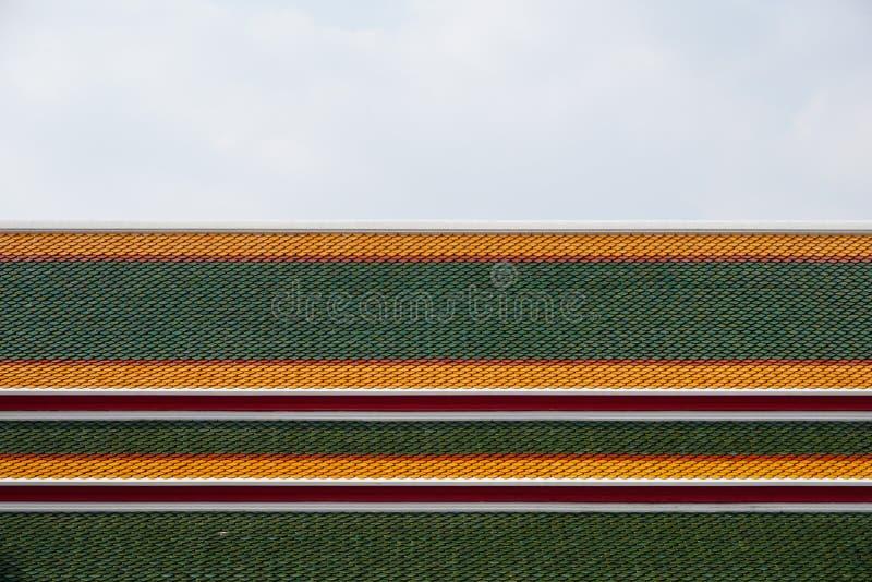 Telhado tailandês colorido do templo fotografia de stock