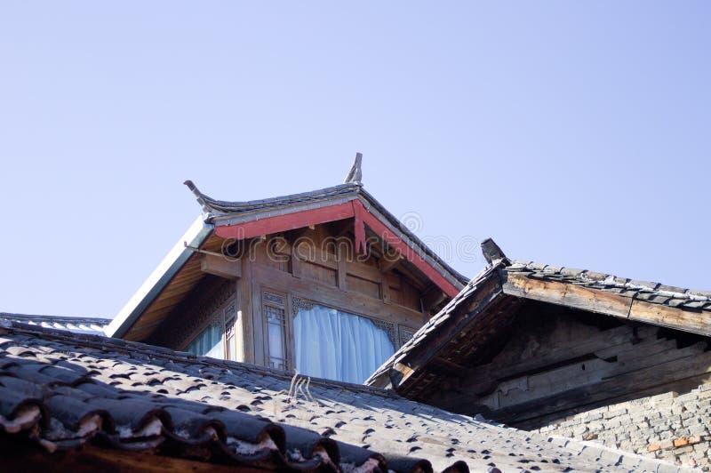 Telhados chineses na cidade velha de Lijiang fotografia de stock royalty free