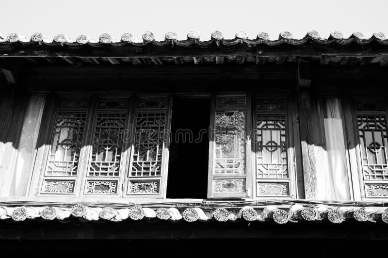 Telhados chineses na cidade velha de Lijiang foto de stock royalty free