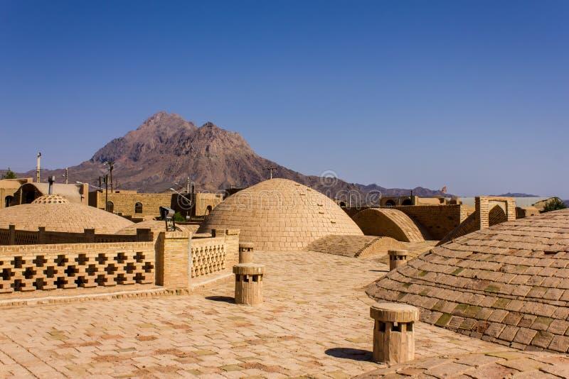 Telhados da caravançará da vila de Kharanagh, Irã imagem de stock royalty free