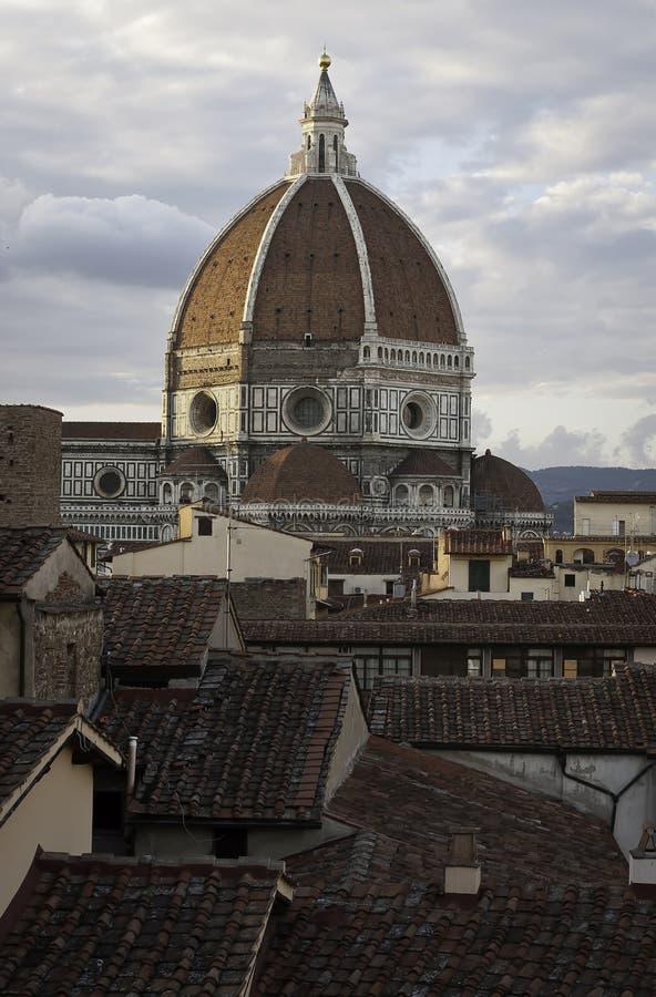 Telhados de Florença e catedral do domo da cúpula foto de stock