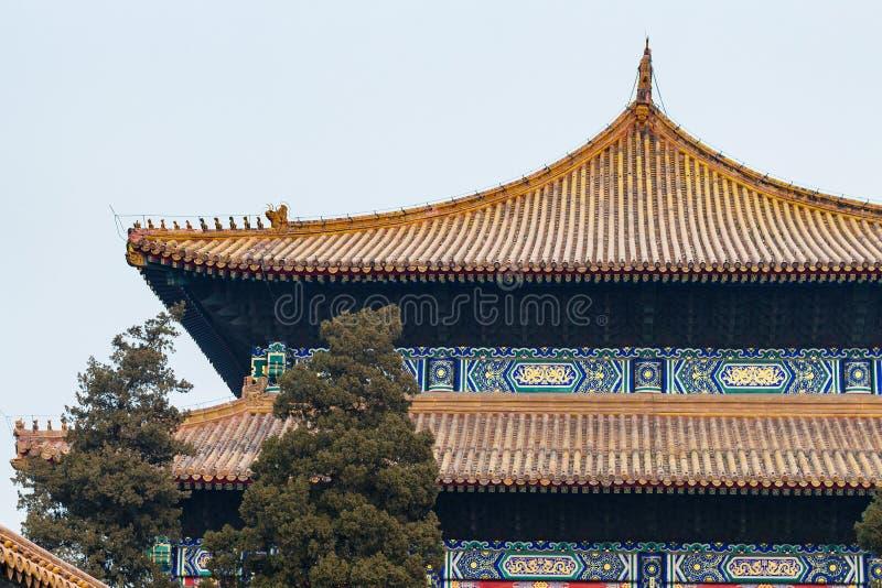 telhados decorados de Salão para a adoração dos antepassados foto de stock