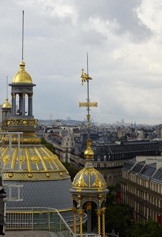 Telhados dourados de Paris - verão em Paris fotografia de stock royalty free