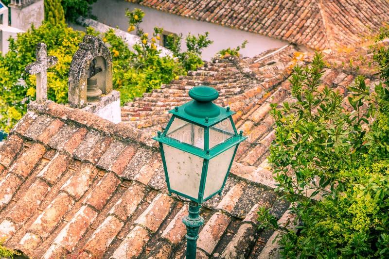 Telhados e lâmpada fotografia de stock royalty free