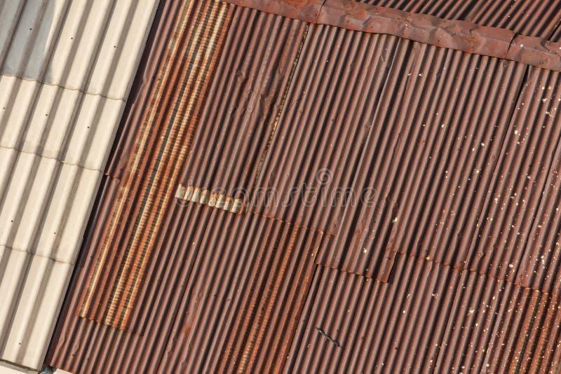 Telhados galvanizados do ferro imagem de stock royalty free