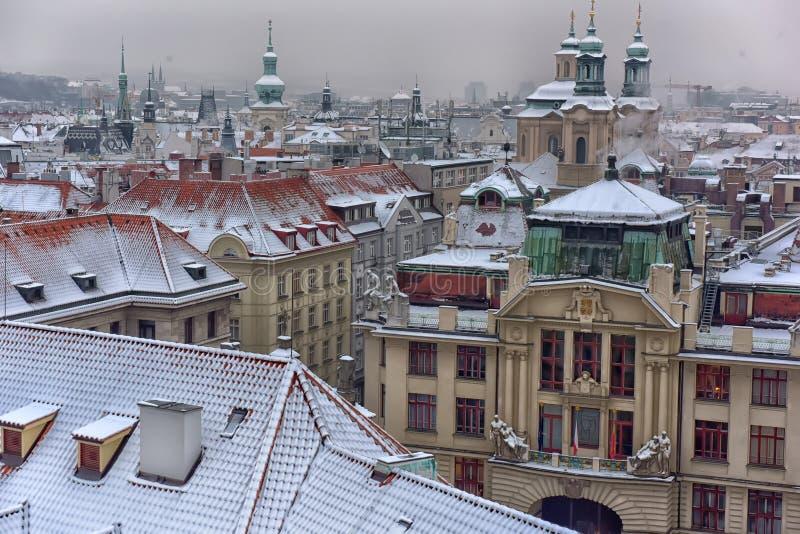 Telhados nevado de Prag foto de stock royalty free
