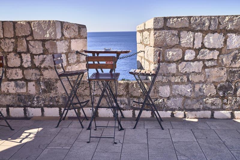 Telhados velhos da cidade de Dubrovnik do panorama Europa, Cro?cia foto de stock royalty free