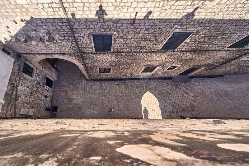 Telhados velhos da cidade de Dubrovnik do panorama Europa, Cro?cia fotografia de stock royalty free