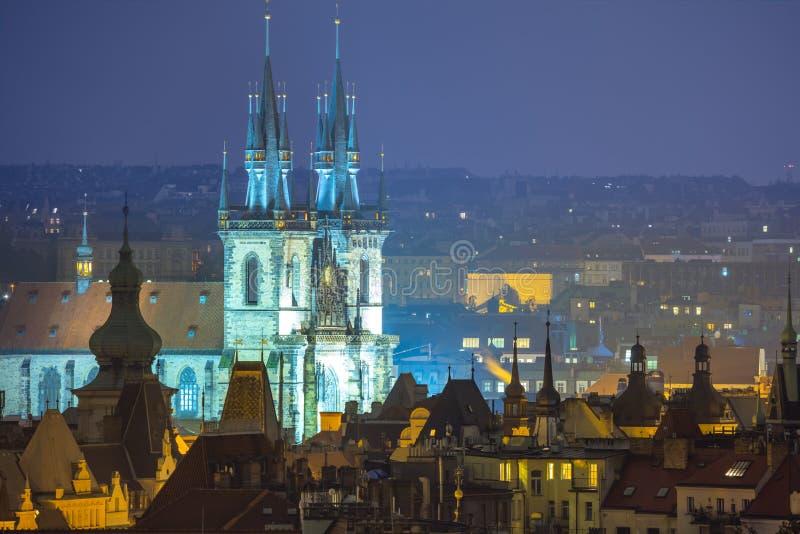 Telhados velhos fantásticos da cidade, Praga, Europa imagens de stock royalty free
