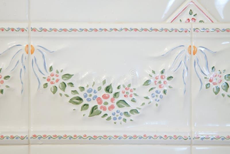 Telhas brancas do banheiro fotografia de stock
