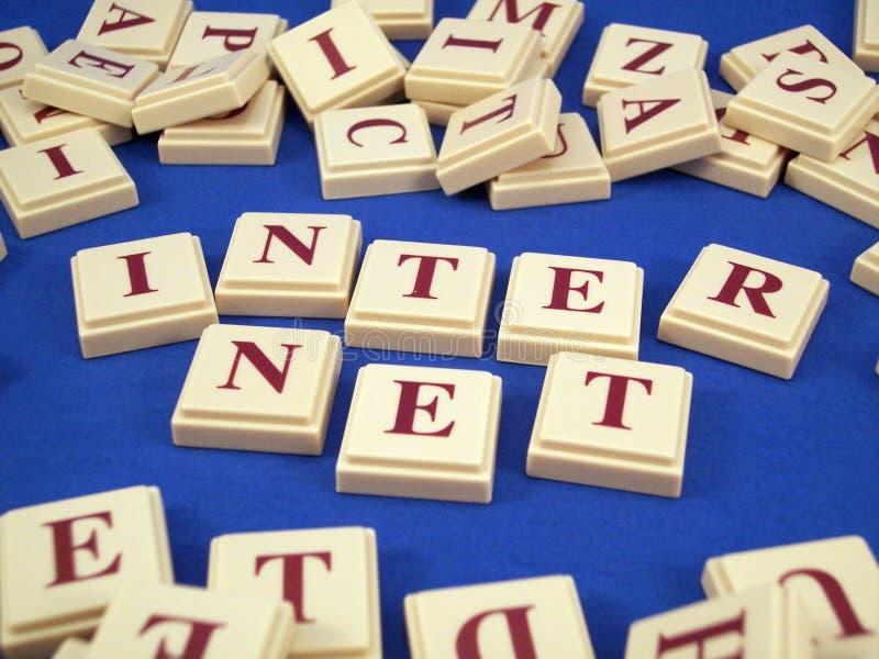 Telhas da letra do Internet imagens de stock