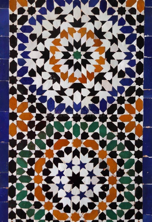 Telhas da parede do Arabesque de Marrocos C4marraquexe fotos de stock