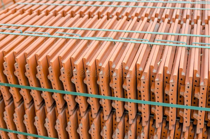 Telhas de telhadura cerâmicas fotos de stock