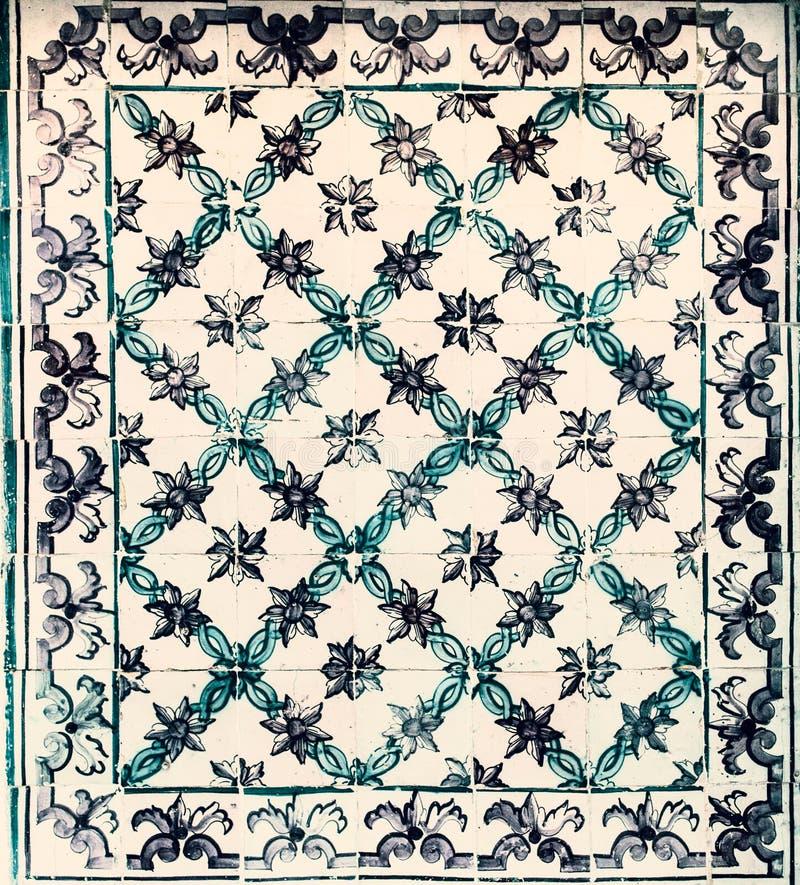 Telhas portuguesas típicas, Azulejo azul, espanhol, italiano e mo imagem de stock