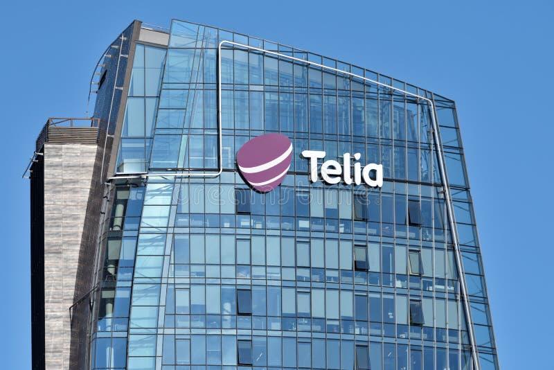 Telia λογότυπο σε ένα κτήριο στοκ φωτογραφία
