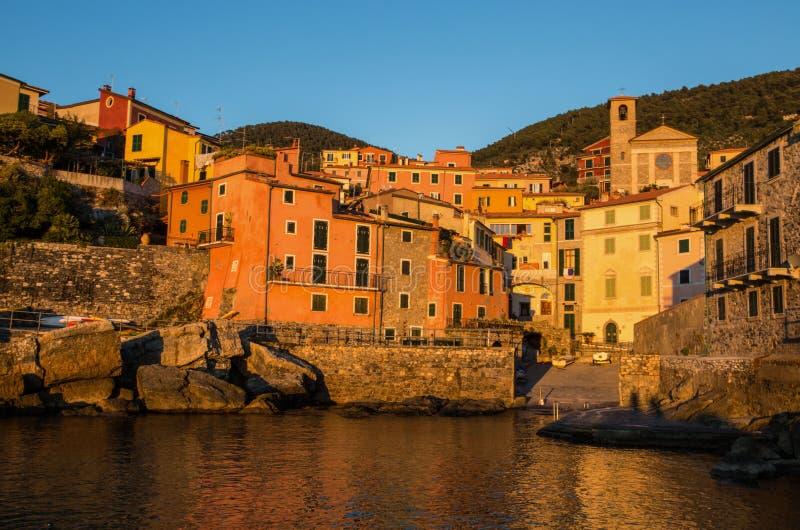 Tellaro στο ηλιοβασίλεμα, κοντά σε Lerici, Λα Soezia, Λιγυρία, Ιταλία, Ευρώπη στοκ εικόνα